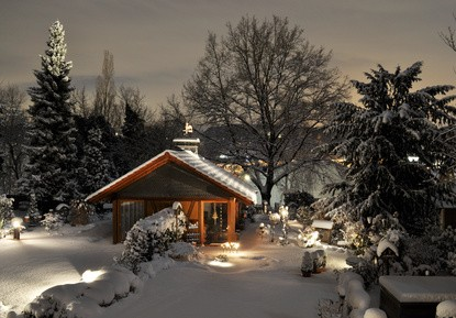 gartenpavillons im winter so sch tzt man sein pavillon am besten. Black Bedroom Furniture Sets. Home Design Ideas