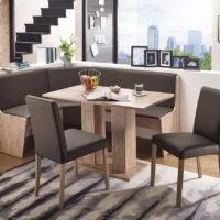 Eckbank-Gruppe mit Esstisch - so lässt sich Platz beim Esstisch sparen