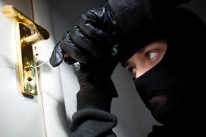 Einbrecher sicher aussperren: Einbruchschutz bei Wohnungen.