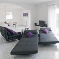 Mit einer Schlafcouch kann auch das Wohnzimmer zum Gästezimmer werden.