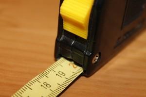 Werkzeug Grundausrüstung für den Heimwerker: das Maßband.