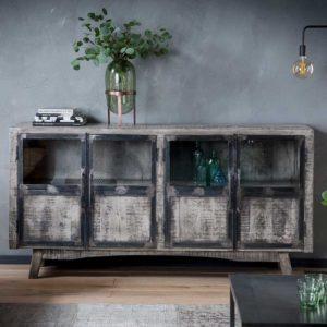 Zu den Möbel-Trends 2019 gehören rustikale Möbel im Industry Style und Shabby Chic.
